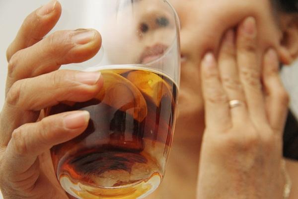 Cách ngâm rượu hạt cau